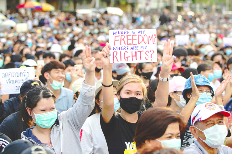Why Thailand protesters are challenging Monarchy? How did ...